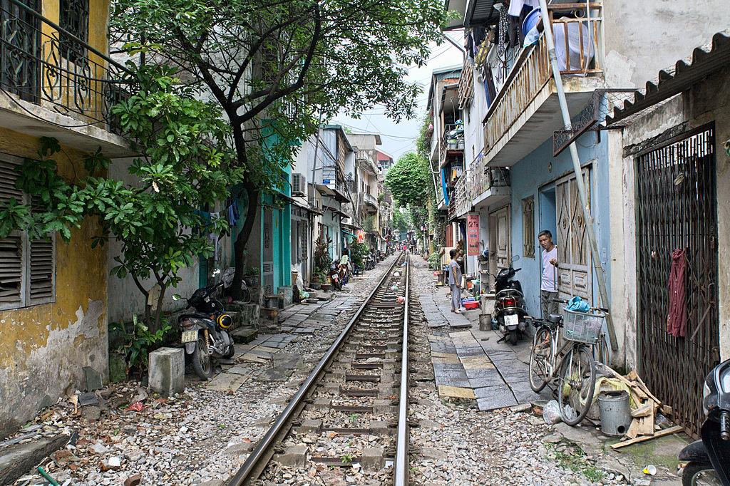 Venir à Hanoi en train, vous passerez par le centre centre de la capitale vietnamienne. Photo de Ekrem Canli