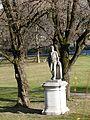 Harmlos - Statue Grünanlage Prinz-Carl-Palais.jpg