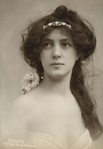 Evelyn Nesbit - Nesbit photographed by Otto Sarony, 1902