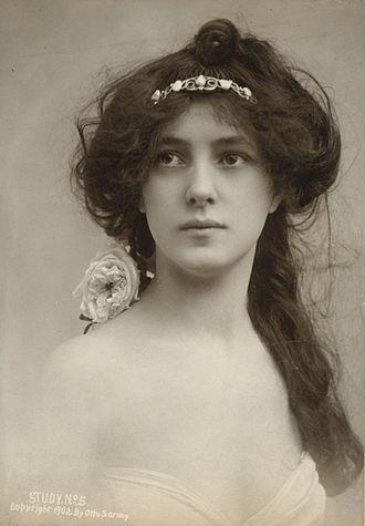 It girl - Image: Harvard Theatre Collection Evelyn Nesbit TCS 2 (seq 33)