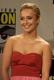 Hayden Panettiere at Comic-con 2008.jpg