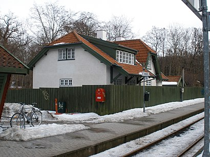How to get to Hellebæk with public transit - About the place