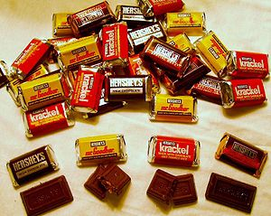 English: Assortment of Hershey's Miniatures ch...