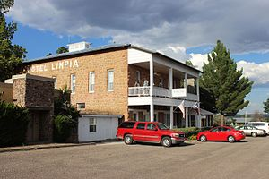 Fort Davis, Texas - Image: Hotel Limpia Fort Davis