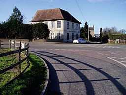 House on the A38 at Moreton Valence - geograph.org.uk - 319439.jpg