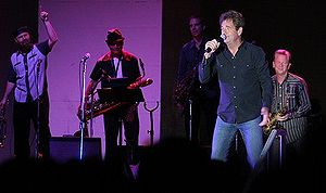 Huey Lewis and the News - The band playing at Brighton Beach in August 2008