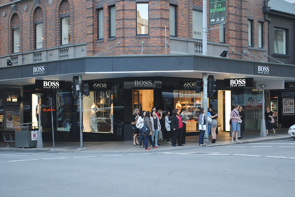file hugo boss store edward street brisbane wikipedia. Black Bedroom Furniture Sets. Home Design Ideas