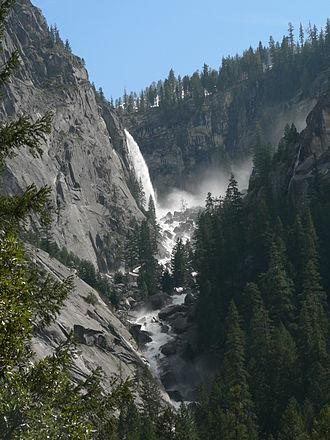 Illilouette Falls - Illilouette Falls from Mist Trail