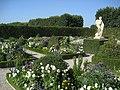 Im Großen Garten - im Niederdeutschen Blumengarten - panoramio.jpg