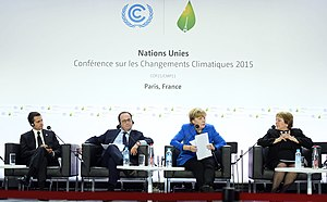 2015 United Nations Climate Change Conference - The heads of delegations from left to right: Enrique Peña Nieto, François Hollande, Angela Merkel, Michelle Bachelet.
