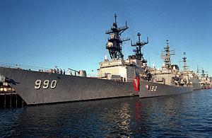 JS Asayuki and USS Ingersoll at Naval Station Pearl Harbor, -1 Feb. 1988 a.jpg