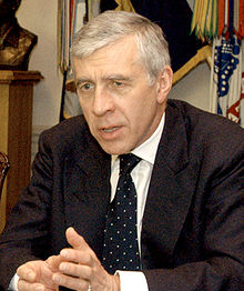 alt=Description de l'image Jack Straw meeting with Rumsfeld at Pentagon, May 19, 2005, cropped.jpg.