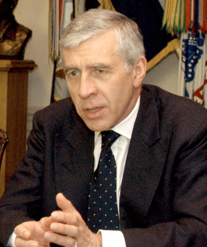 Jack Straw meeting with Rumsfeld at Pentagon, May 19, 2005, cropped