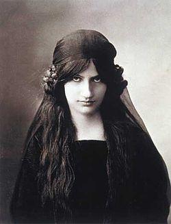Jeanne Hebuterne.jpg