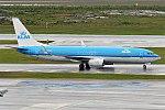 KLM, PH-BXU, Boeing 737-8BK (16456452485) (2).jpg