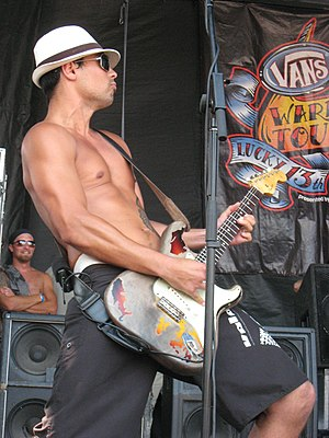 Pepper (band) - Kaleo Wassman of Pepper performing at Warped Tour in 2007.