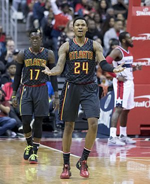 Kent Bazemore - Bazemore with the Hawks in 2016