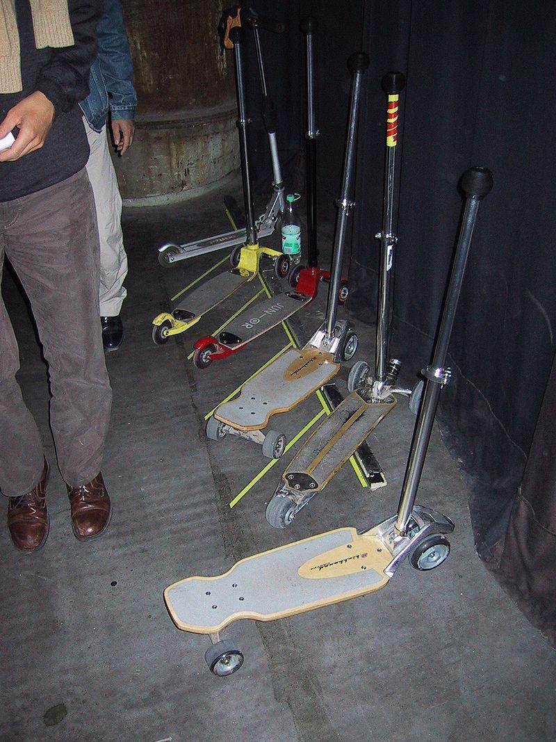 Kickboards Jahrhunderthalle Probe Zauberflöte 04 09 03 JPG
