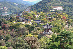Korea-Jecheon-Cheongpung Cultural Properties Center 3328-07.JPG