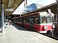 Krakov, Stare Miasto, nádraží Kraków Głowny, osobní vlak.JPG