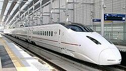 Kyushu Shinkansen 800 series Shin-Minamata 20041123.jpg