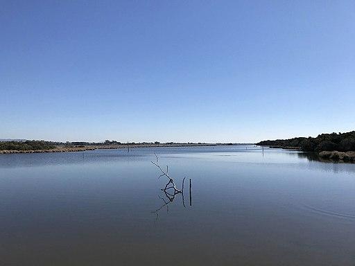 Il lago di Burano all'estremità meridionale della Maremma grossetana