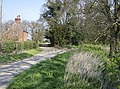 Lane to Hales House - geograph.org.uk - 982451.jpg