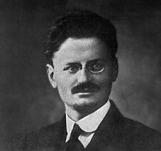 Emmanuel Goldstein - Trotsky, 1918