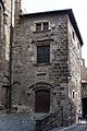 Le Puy-en-Velay - Hôtel des prévôts de Notre-Dame.jpg