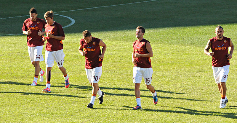File:Leandro Castan, Jonatan Lucca, Francesco Totti, Miralem Pjanić, Pablo Osvaldo.jpg