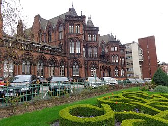 The Leeds General Infirmary (pictured) and St James's University Hospital incorporate the Leeds School of Medicine Leeds General Infirmary (12th April 2014) 005.JPG