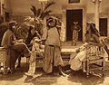 Lehnert et Landrock - Jeunes filles dans le patio, Tunisie, circa 1920.jpg