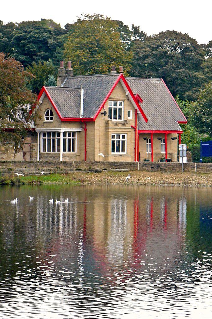 File Lodge Chellow Dene Reservoirs 5055329622 Jpg