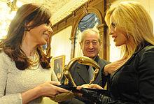 Lola Ponce nel 2010 con la presidente argentina Cristina Fernández de Kirchner