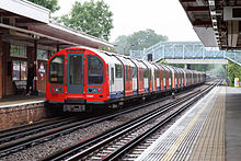 London Underground 1992 Stock at Theydon Bois by tompagenet.jpg