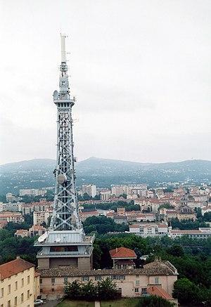 Metallic tower of Fourvière - Image: Lyon Emetteur TV 02