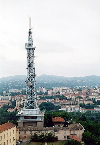 Metallic tower of Fourvière - Image: Lyon Emetteur TV 02