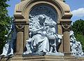 Märchenbrunnen Rotkäppchen+Wolf.jpg