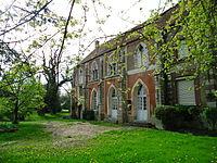 Mézières-en-Vexin - Manoir de Surcy (ISMH).JPG