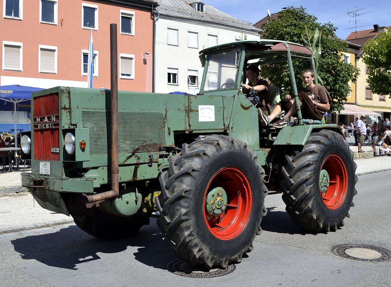 Drawing Man On Tractor : File man diesel traktor prototyp g wikimedia commons