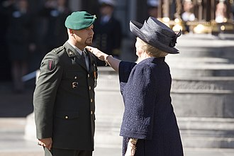 Accolade - Accolade performed by Queen Beatrix of the Netherlands during the Military Order of William ceremony of Marco Kroon in 2009