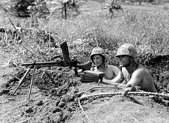 Type 96 light machine gun - Marines with a captured Type 96