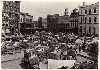 Montgomery, Alabama - Cotton being brought to market, Montgomery, c. 1900