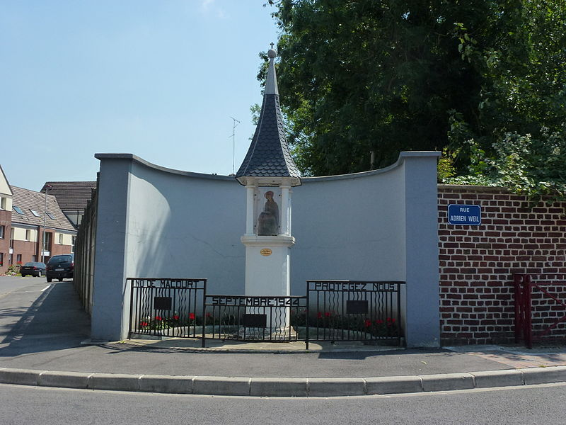 Marly (Nord, Fr) oratoire N.D. de Macourt