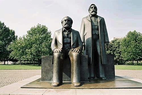 Marx-Engels-Forum01.jpg