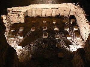 Roman-Gaul Baths of Entrammes - Image: Mayenne Entrammes hypocauste