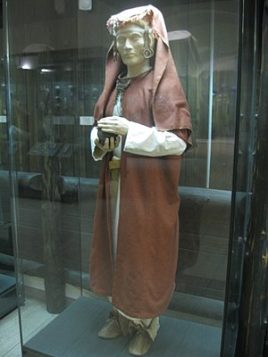 Mazunino culture costume.jpg