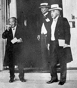 Shibusawa Eiichi - Members of the Capital Restoration Board after 1923 Great Kantō earthquake: from left, Shibusawa, Count Itō Miyoji, Baron Katō Takaaki