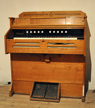 Pump organ - A smaller variety of pump organ