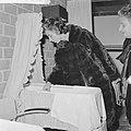 Mevrouw Kennedy bezoekt het Burgerweeshuis te Amsterdam, Bestanddeelnr 913-5641.jpg